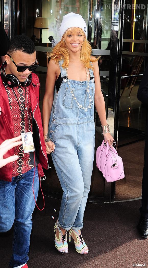 Rihanna en salopette à Londres en juin 2013.
