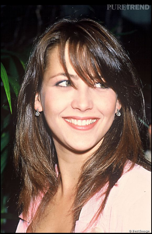 sophie marceau adopte une coupe mi longue l 39 avant premi re de son film l 39 tudiante en 1988. Black Bedroom Furniture Sets. Home Design Ideas