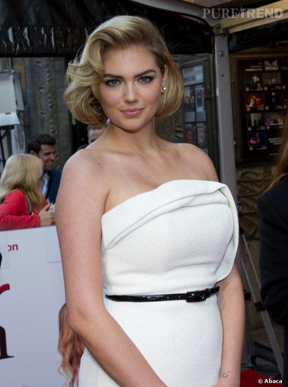Kate Upton, complexée par sa forte poitrine ?