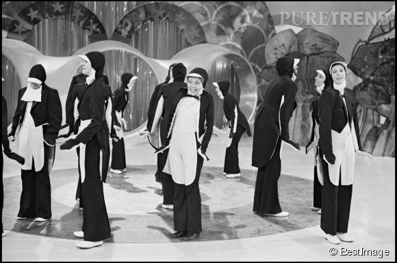 Annie Cordy déguisée en pingoin à la télé en 1971.