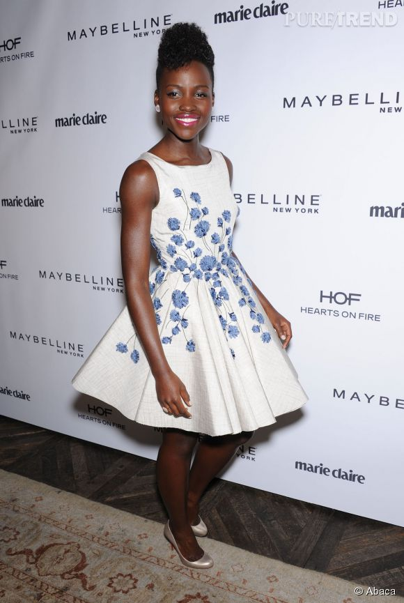 Lupita Nyong'o, vraie baby doll à la soirée Marie Claire, le 8 avril.