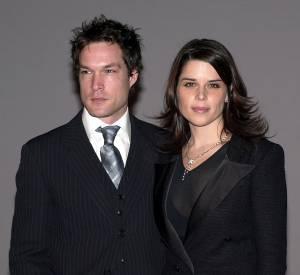 John Light et Neve Campbell L'acteur anglais a demandé la main de l'actrice en 2007 en lui récitant du Shakespeare.