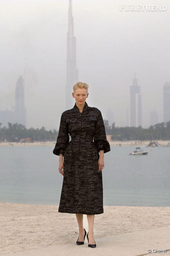 Tilda Swinton au défilé de la Collection Croisière 2014/2015 de Chanel à Dubaï, ce mardi 13 mai 2014.