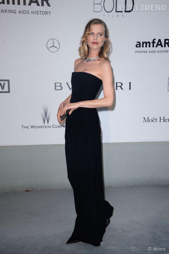 Eva Herzigova au gala de l'amfAR à l'Hôtel du Cap le 22 mai 2014.