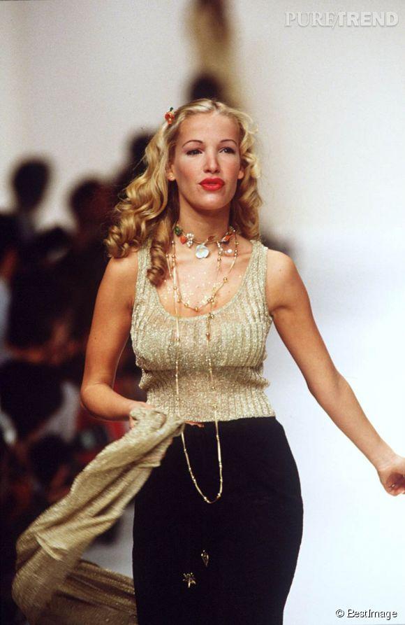 Ophélie Winter défile pour Lolita Lempicka en 1994.