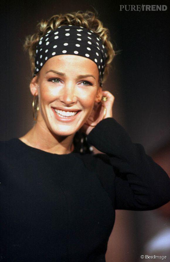 Ophélie Winter sur scène pendant un concert à Nice en 1997.