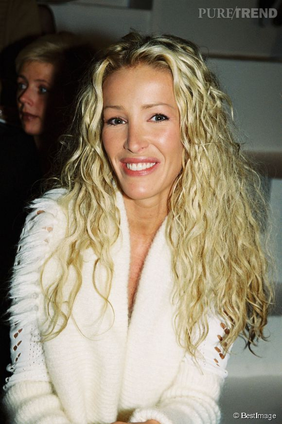 Ophélie Winter lors d'un défilé Dior en 2002.