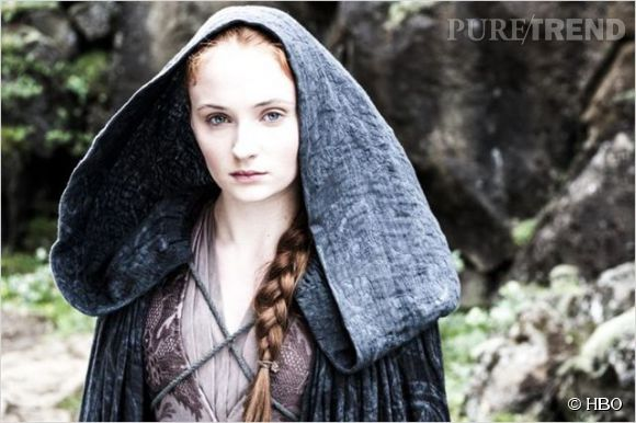 Sophie Turner incarne Lady Sansa, un personnage incroyablement moue.