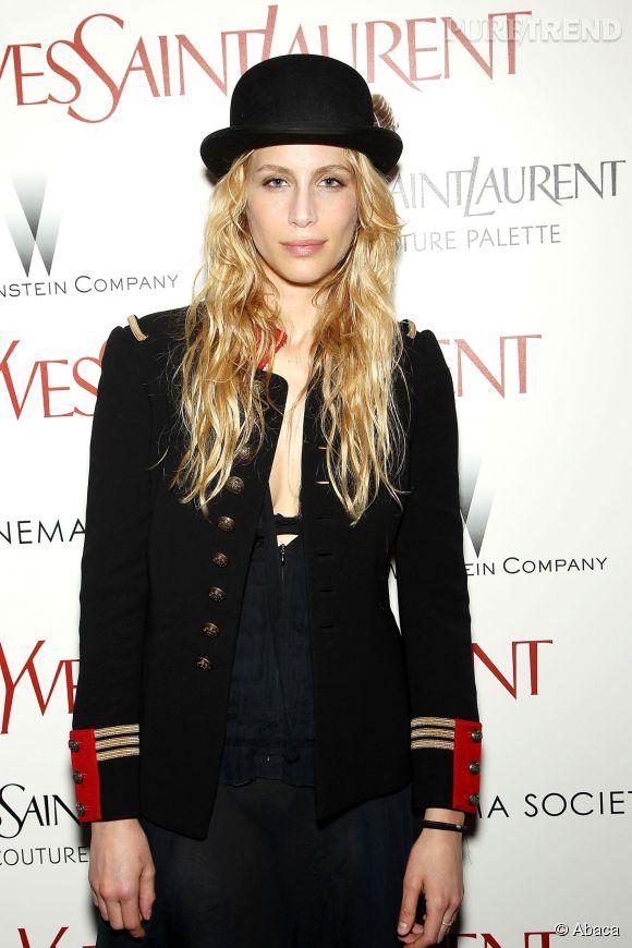 """Marie de Villepin, marin sexy pour la première de """"Yves Saint Laurent"""" à New York."""
