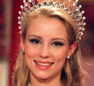 Elodie Gossuin Miss France 2001, son relooking extrême en 20 photos