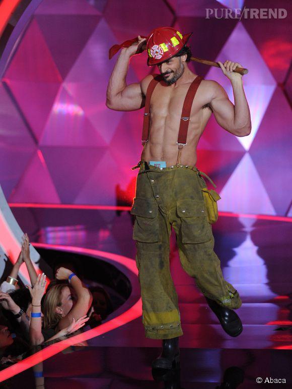 Joe Manganiello, pompier sexy aux MTV Movie Awards 2012.
