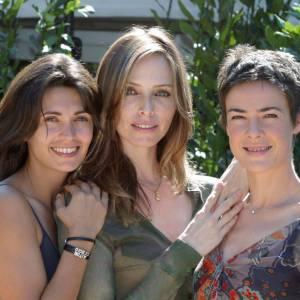 Adeline Blondieau, Tonya Kinzinger et Bénédicte Delmas, les trois stars de Sous le soleil en 2003.