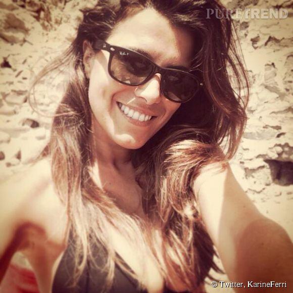 Karine Ferri s'est accordée un break au bord de la mer la semaine dernière.