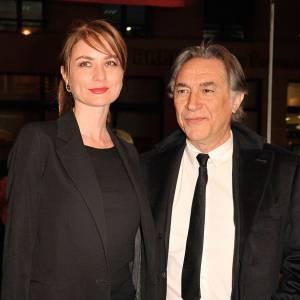 Richard Berry et Pascale Louange, une passion de plus de 4 ans qui va au delà des 22 ans d'écart.