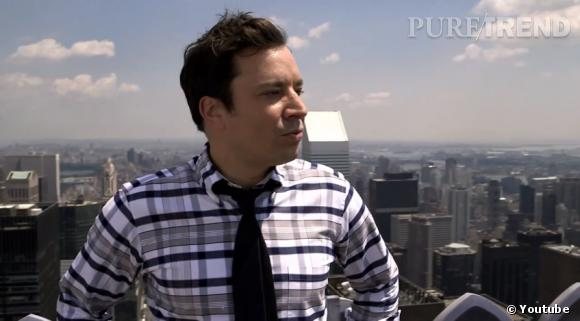 Le présentateur Jimmy Fallon se met à chanter du yodel avec Brad Pitt pour se détendre...On a hâte de le retrouver sur nos télés françaises !