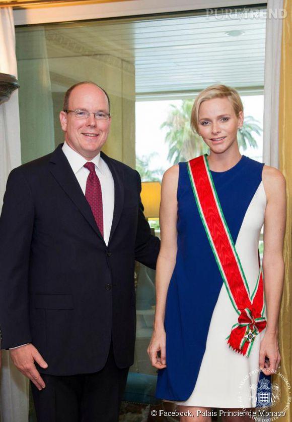 Charlène et Albert de Monaco lors d'une rencontre avec l'Ambassadeur d'Italie à Monaco. Charlène est une future maman particulièrement discrète.