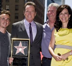 """Bryan Cranston est devenu une star, mais il reste toujours aussi proche des anciens acteurs de la série """"Malcolm""""."""