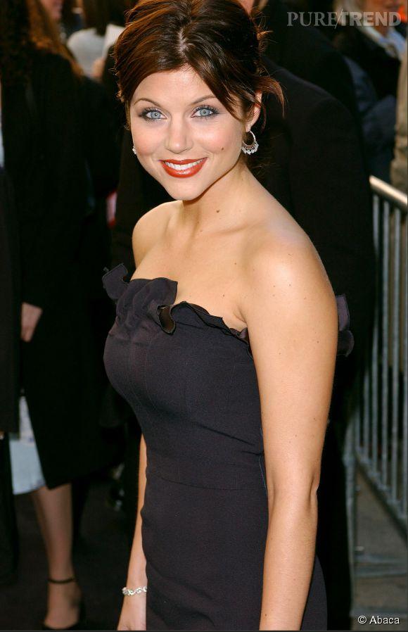 Tiffani Thiessen passe au châtain en avril 2002.