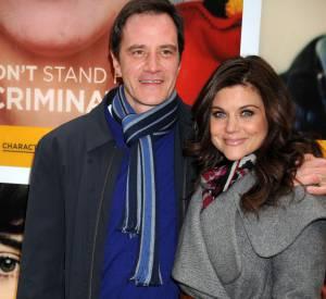 """Tiffani Thiessen et Tim DeKay, son mari dans la série """"FBI : Duo très spécial"""", en février 2012."""