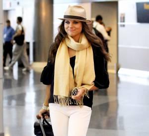 "Tiffani Thiessen habillée façon ""Hampton chic"" en juin 2012."