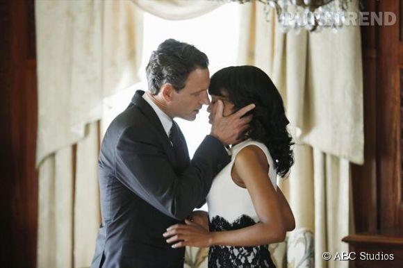 """Tony Goldwyn et Kerry Washington vivent une passion dévorante dans la série """"Scandal"""" diffusée sur M6."""