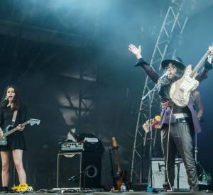 The ghost of a saber tooth tiger alias Sean Lennon et Charlotte Kemp Muhl sur la Grande Scène à Rock en Seine le 23 août 2014.