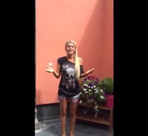 Amélie Neten et son Ice Bucket Challenge très strident.