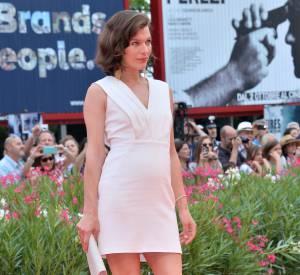 Milla Jovovich à Venise, pas de pause pour la future maman.