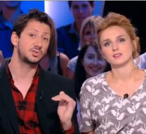 Alison Wheeler et Monsieur Poulpe, un duo qui tourne en autodérision le rôle de Miss Météo pour leur première rubrique.