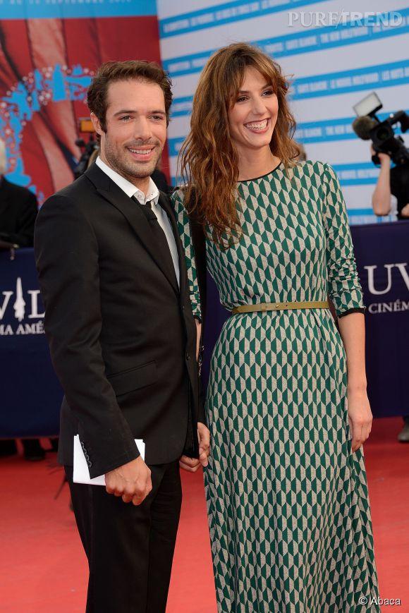 Nicolas Bedos et Doria Tillier, visiblement ravis de s'afficher main dans la main sur le red carpet. C'est reparti pour un tour ?