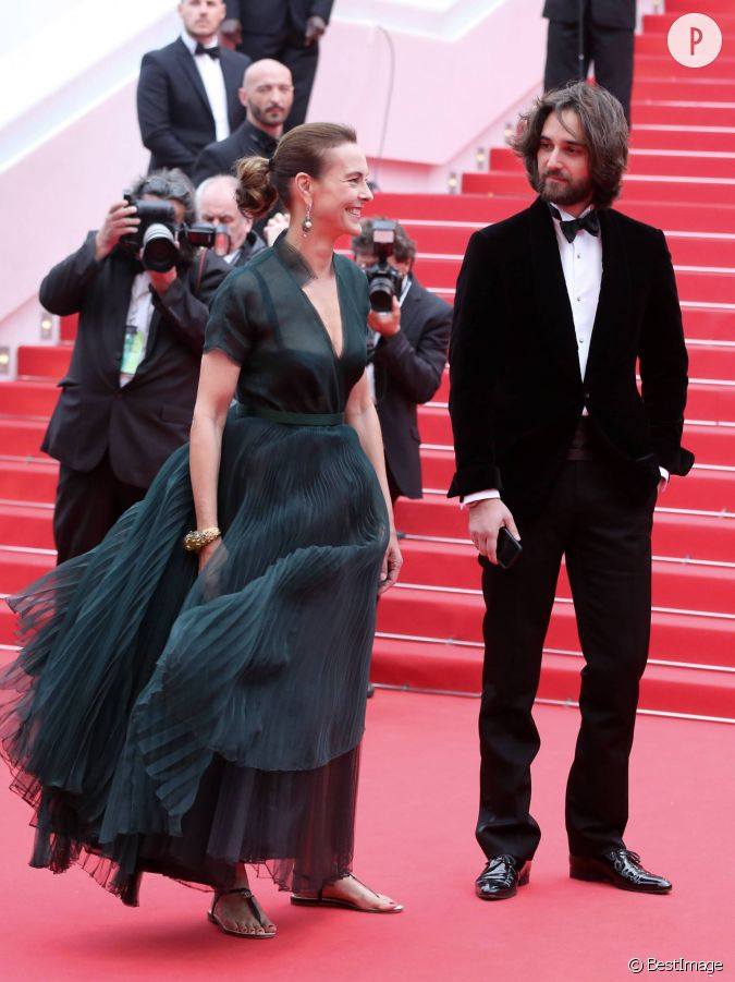 carole bouquet et son fils dimitri rassam au festival de cannes en mai dernier. Black Bedroom Furniture Sets. Home Design Ideas