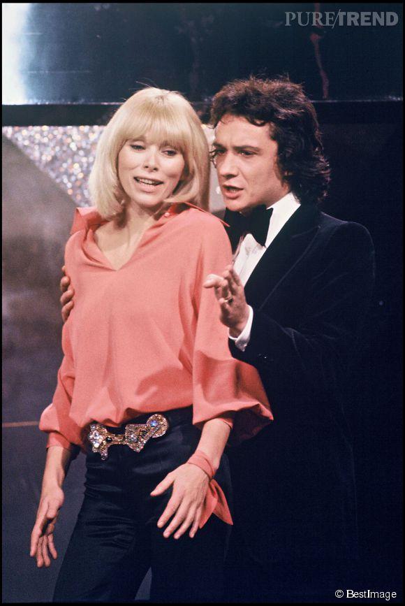 Michel Sardou et Mireille Darc. Ils partagent une grande amitié depuis que la blonde mythique a préféré sortir avec Delon. Enfin, c'est ce qu'on imagine !