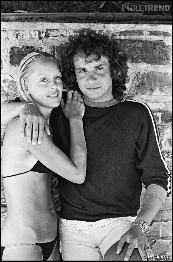Babette, la seconde femme de Michel Sardou qui posent ici à l'été 1977 année de leur mariage qui durera jusqu'en 1998.