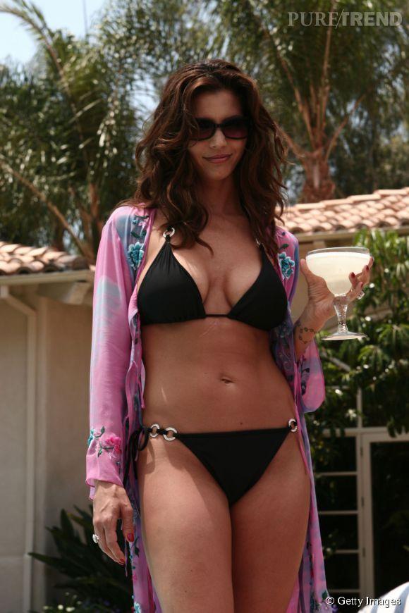 """Charisma Carpenter joue les mamans sexy en 2005 dans """"Veronica Mars""""."""