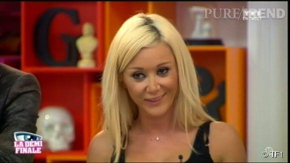 """Julie, l'ex-candidate de """"Secret Story 8"""" est fiancée !"""