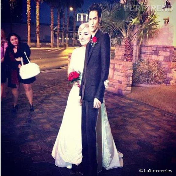 Lauren et Edward Cullen lors de leur mariage à Las Vegas.