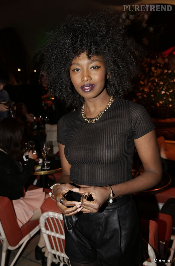 Inna Modja, l'audace tout en transparence à la soirée Make Up For Ever le 24 septembre 2014 à Paris.