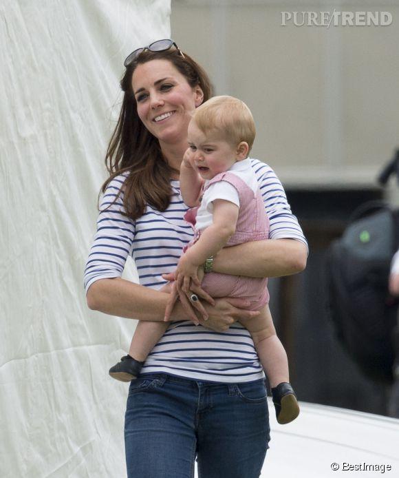 Kate Middleton donnera-t-elle un frère ou une soeur à George ? Cette question passionne les Anglais !
