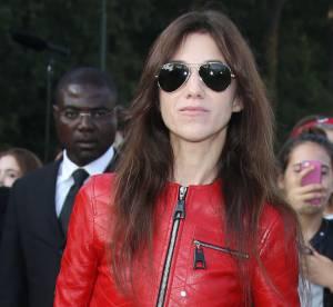 Charlotte Gainbourg, cuir et audace pour le défilé Vuitton