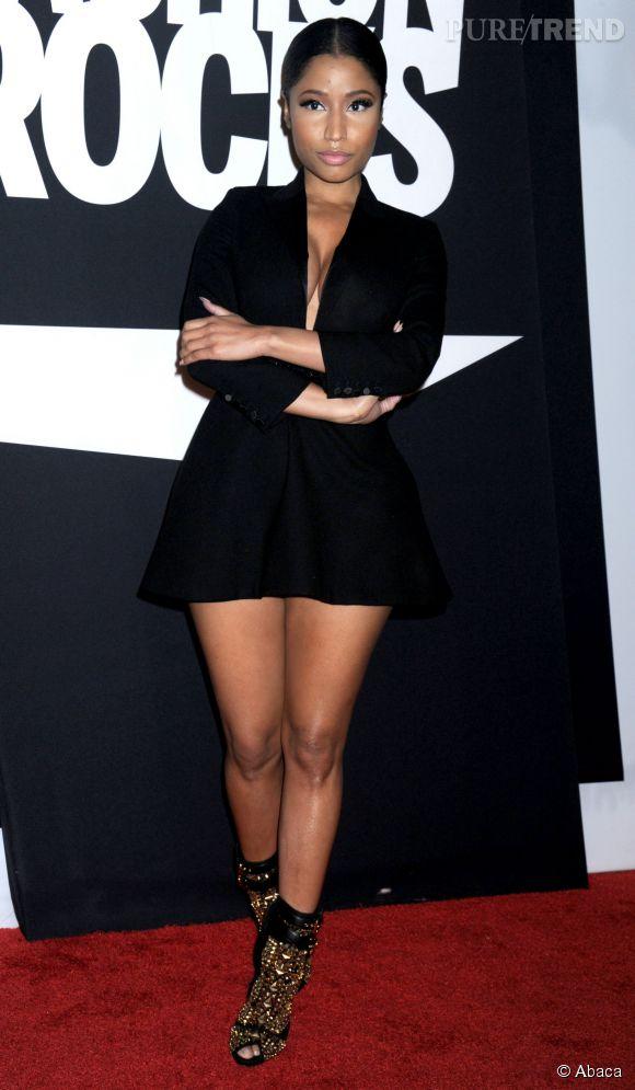 Nicki Minaj se retrouve totalement transformer en couverture de l'Uomo Vogue, octobre 2014.