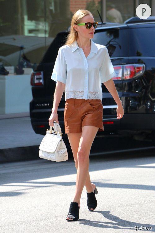 Kate Bosworth ultra chic pour une séance shopping chez Barney's à Beverly Hills, le 10 octobre 2014.
