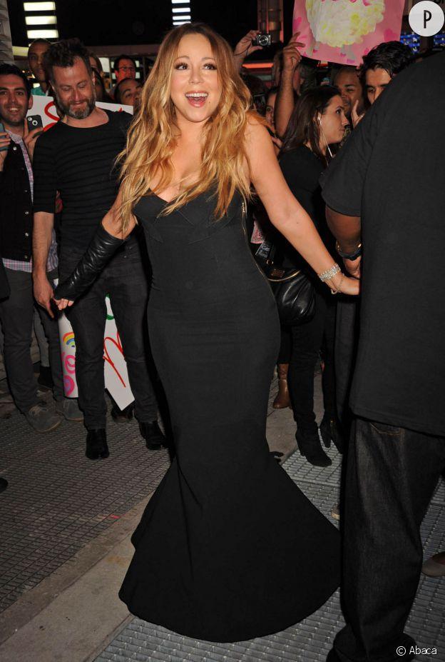 Mariah Carey ne se doute de rien et pourtant, ses fans sont nombreux à condamner sa carrière.