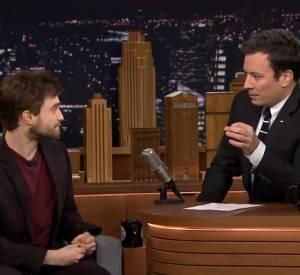 """Daniel Radcliffe sur le plateau du """"Tonight show starring Jimmy Fallon""""."""