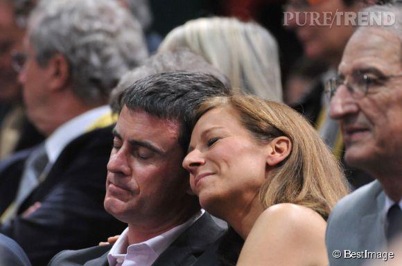 Manuel Valls et son épouse Anne Gravoin : moment câlin dans les tribunes de Bercy pour la finale de l'Open Masters 1000 de tennis.