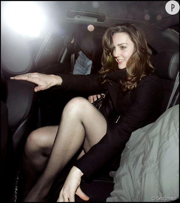 Ma copine celine et moi dans la voiture - 3 7
