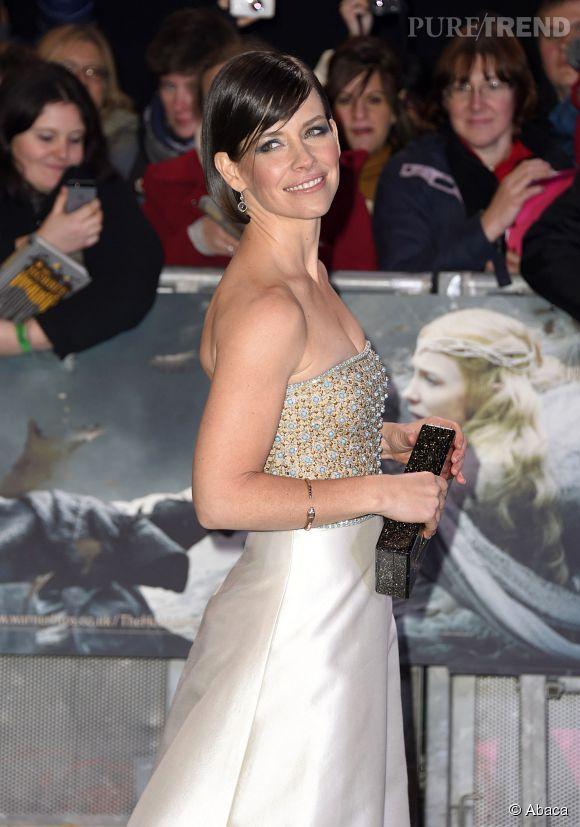 """Evangeline Lilly est apparue resplendissante à l'avant-première londonienne de """"Le Hobbit : La Bataille des Cinq Armées"""" le 1er décembre."""