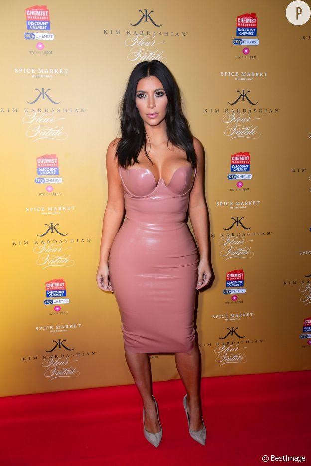 Kim Kardashina moulée sexy
