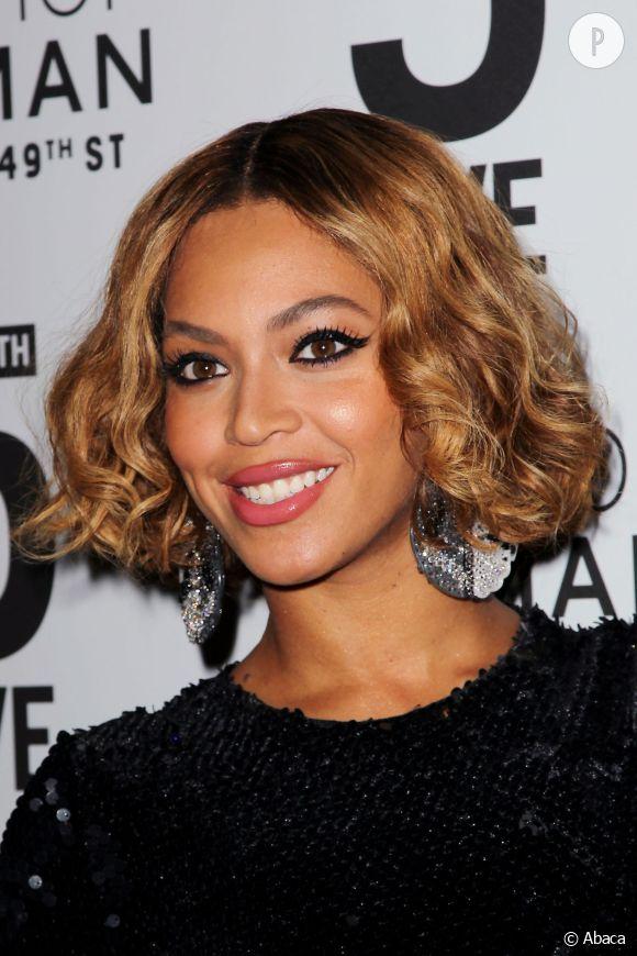 Beyoncé, Camille Cerf et Madonna, elles nous souhaitent toutes une belle année 2015.