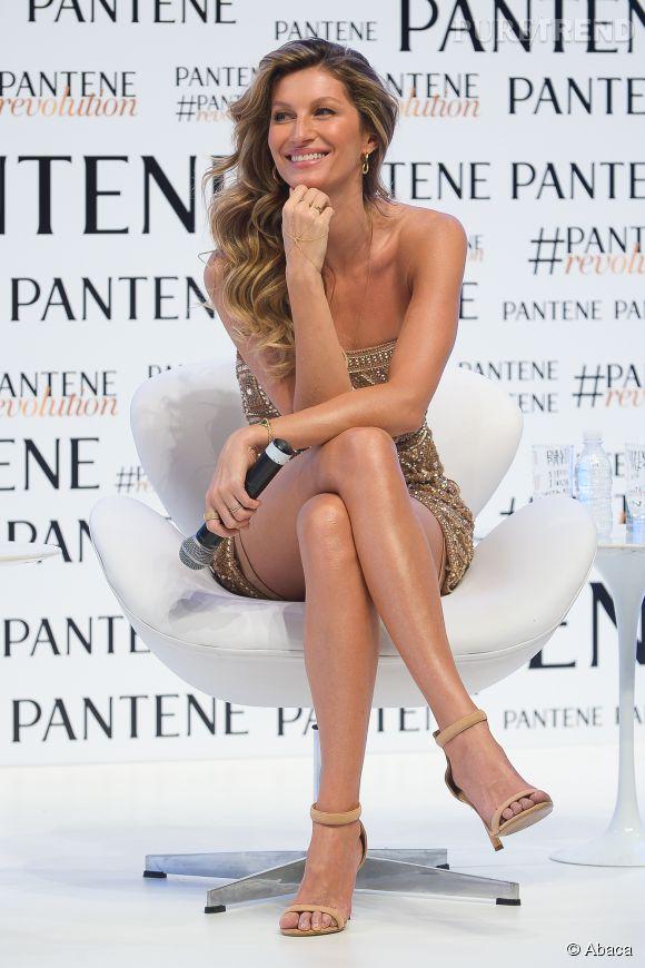 Gisele Bündchen radieuse et toute en jambes pour Pantene.