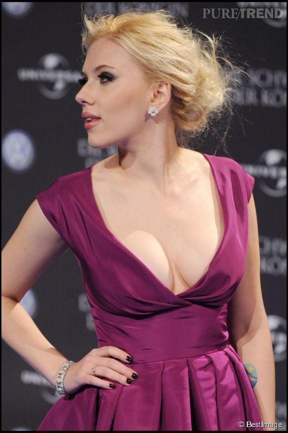 Scarlett Johansson connait ses atouts et sait les sublimer comme ici, lors d'une soirée dans le cadre du festival de Berlin, en 2008.